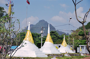 three-pagoda-pass
