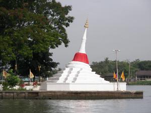 Wat Poramai Yikawat Nonthaburi Thailand